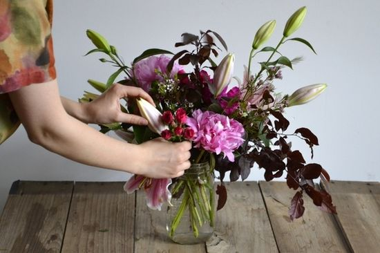 How to make your own flower arrangement