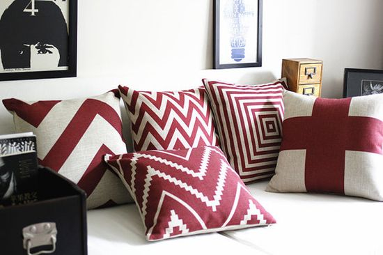 5 red geometric england cushion Ready to use by WeekendFamily