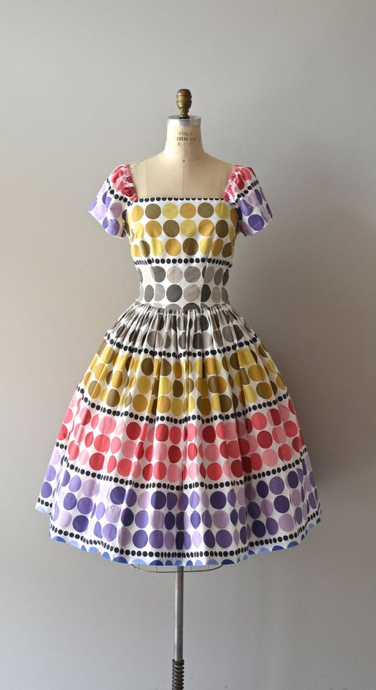 Fabulous vintage 1950s dress large polka dot dress. #vintage #1950s #dresses #fashion
