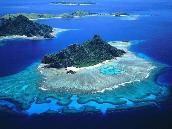 The tropical island paradise of Figi