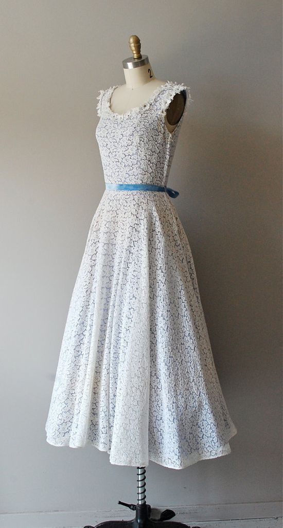 vintage 1950s In the Clouds lace dress