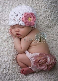 Baby girl- must make this hat and bottoms! Please be a girl, please be a girl, PLEASE be a girl!!!!