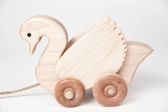 swan pull toy