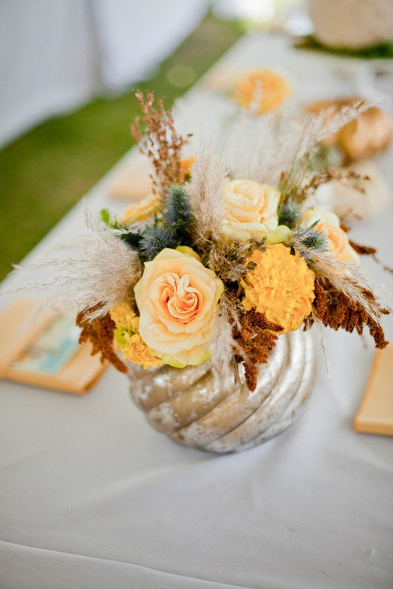 Lovely fall centerpiece ~ Photography by elysehall.com, Floral Design by aspenreneestudios...