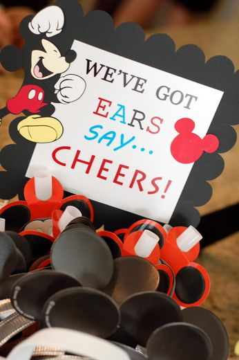 Such a cute idea for a Mickey party favor