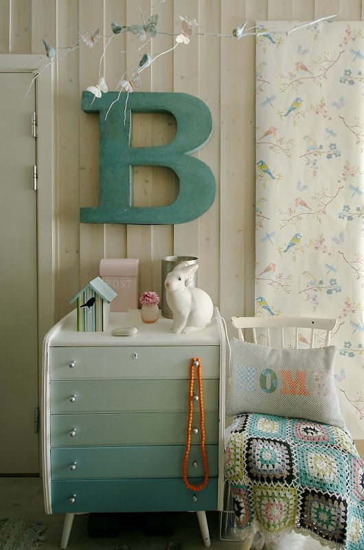 Cool way to paint Dresser