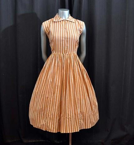 Striped vintage dress ?