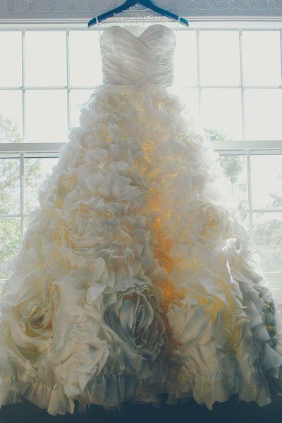 Monique Lhuillier gown.