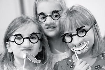 funny glasses (holly hobby)