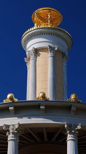 Berlin Glienicke, Große Neugierde (Nachbildung des Lysikratesmonument aus Athen) - Schinkle