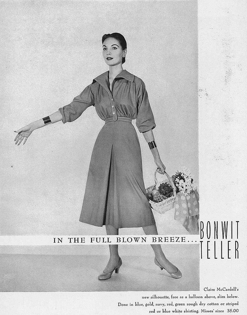 Claire McCardell's new silhouette featuring balloon sleeves and a slim skirt, 1953. #vintage #fashion #1950s #dress