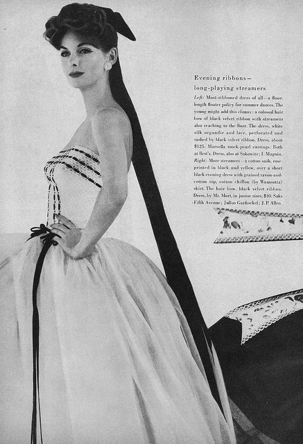 I adore the generously length of the tails on her hair ribbon. #dress #hair #vintage #fashion #1950s