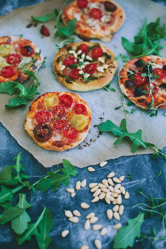 Mini pizzas (recipe in Swedish and English)