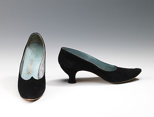 Cocktail shoes, 1958, Frattegiani. These shoes are part of the Osgood collection, comprised chiefly of fashionable Italian-made women's shoes from 1954-58. The shoes were collected by Charline Osgood, dir. of the Kid Leather Guild, a trade organization of American kid leather manufacturers. Highlighting the use of kid leather in footwear, the collection provides a fascinating view of high-style European shoe design from the period, representing many of the finest & most inventive Italian makers.