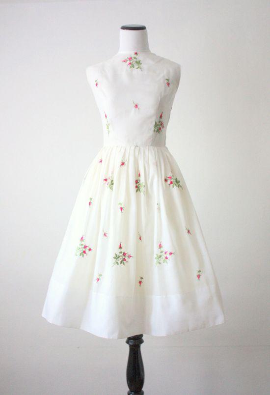 1950's pink rosebud dress #fashion #floral #dress #1950s #partydress #vintage #frock #retro #sundress #floralprint #petticoat #romantic #feminine