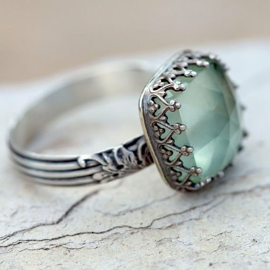 Prehnite Cocktail Ring... I love the crown-like prongs. Nice idea for a wedding ring.
