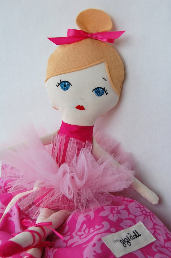 Oh how my girlies would love this ballerina!