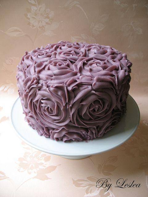 Buttercream Roses Cake -- too beautiful to eat !