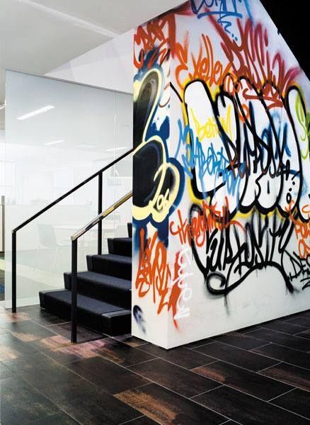 #GRAFFITI #WALL #BLACK #STAIRCASE #interior #design