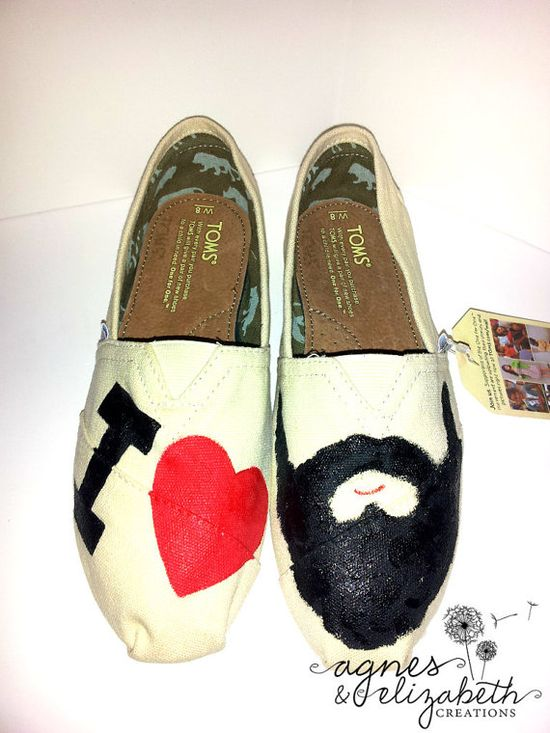 Get a pair of toms shoes $17.59,customize them and make them one of a kind.DIY Toms ! !! Holy cow!      #diy #Toms #shoes