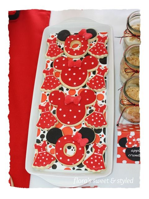 Minnie Mouse Party Cookies #minniemouse #cookies