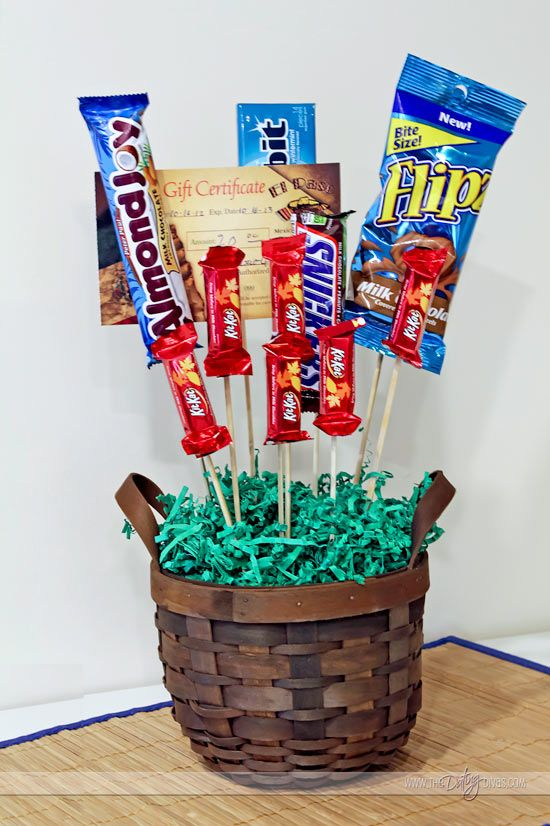 Candy bouquet- such a cute gift idea!