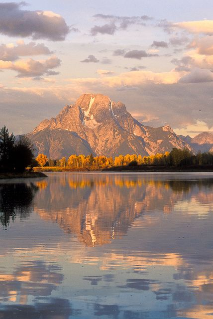 Mount Moran reflected in the Oxbow Bend of the Snake River. Grand Teton National Park, Wyoming