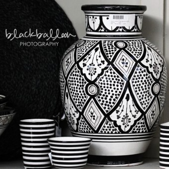lovely black and white decor