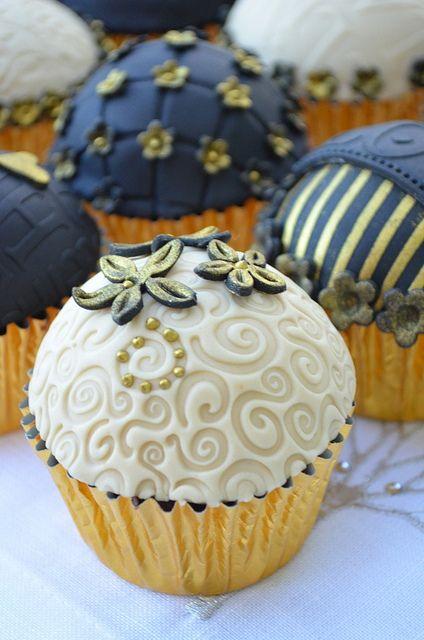 embossed #cupcakes