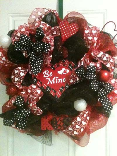 Love the look of this wreath.