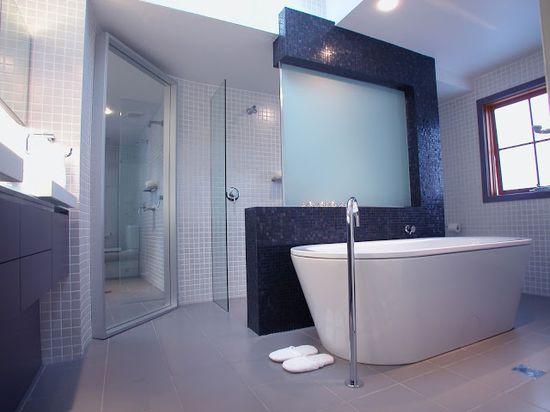 Minosa Design: Modern Main Bathroom designed to share....
