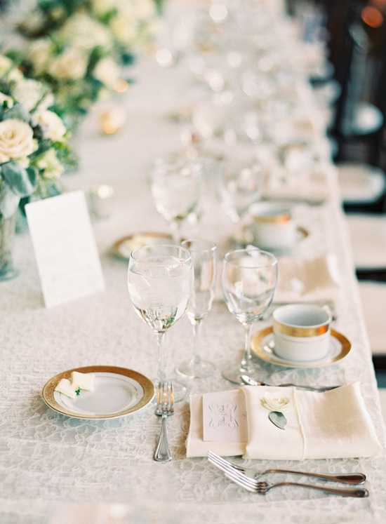 super classic, ultra pretty reception tablescape  Photography By / claryphoto.com, Planning   Coordination By / simplyandforever.com, Floral Design By / stevenmuellerflor...