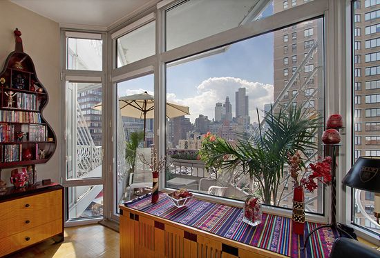 200 East 32nd Street, Apt. 15C, Murray Hill: Stunning Modern Sophisticated 2 Bedroom 2 Bathroom Design Conceived by Costas Kondylis Offers an Efficient Layout w/Lofty 10ft Ceilings and Walls of Luminous Floor To Ceiling Windows in Every Room for a Dramatic Backdrop of The Midtown Manhattan Skyline to the West & Sunset. The Chef's Pass Thru Kitchen w/Granite Counters & Breakfast Bar allows for Entertaining to the Living Room and Dining Area with a clear view to the Balcony.
