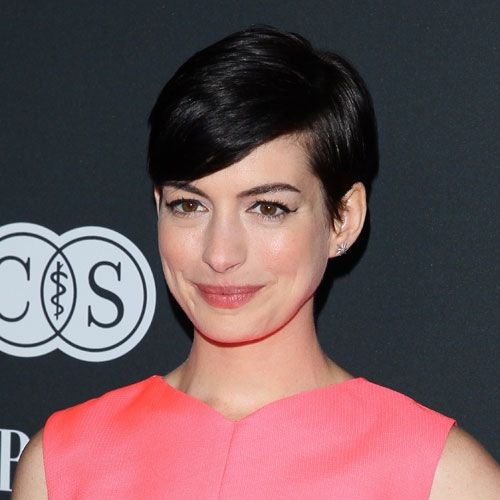 Celebs with short hair - Anne Hathaway!