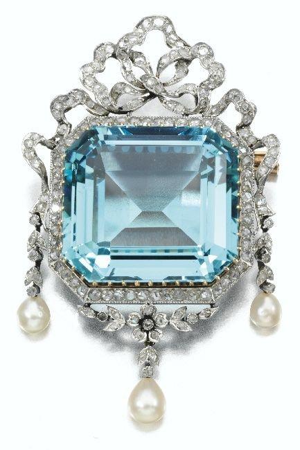 Diamond, seed pearl, and aquamarine brooch. Crica 1915.