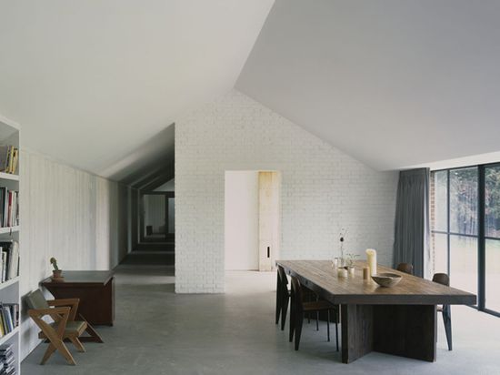 concrete-floor-simplicity-dining-interior-house-combination8