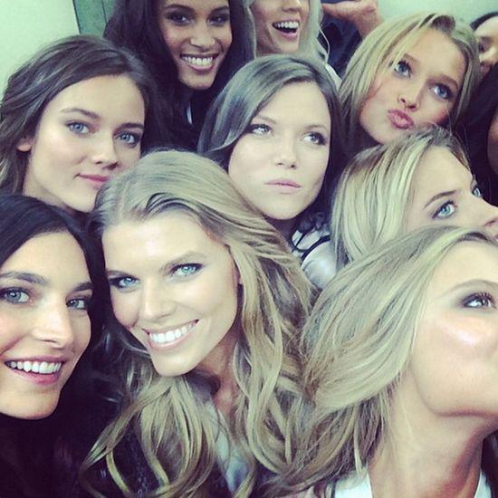 How many models fit in an elevator? Via Victoria's Secret model Jacquelyn Jablonski.