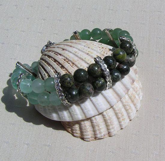 Gemstone Crystal Bracelet Fluorite Green by SunnyCrystals on Etsy, £12.75 #jewelry #jewellery #bracelet #grren #jasper #aventurine #fluorite #sunnycrystals #etsy #summer #gift