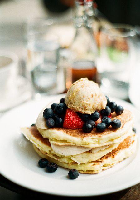 ricotta pancakes w/ honeycomb butter