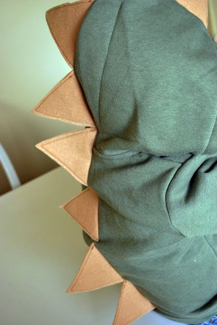 DIY Dinosaur Hoodie #sewing #kids #craft #diy