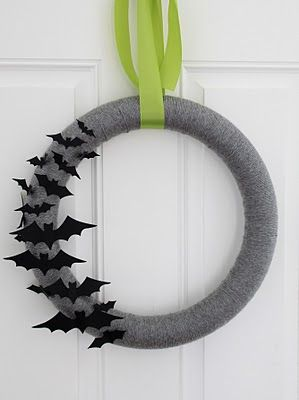 This is a cute Halloween wreath