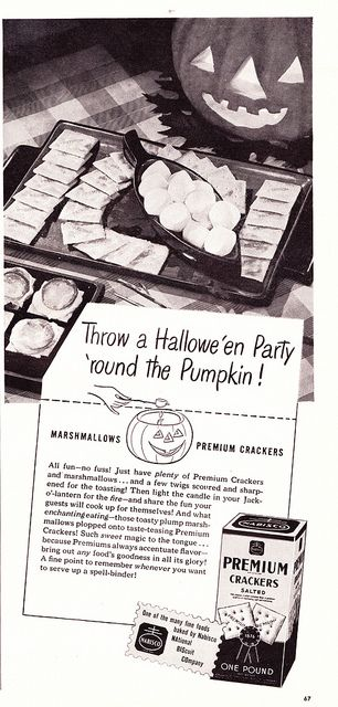 On a unique rift from the classic S'more, this 1940s ad advocates melting marshmallows on soda crackers. I love salty and sweet paired together, so would definitely give this easy Halloween treat a try. #food #marshmallow #vintage #Halloween #ad #crackers #appetizers #party #1940s