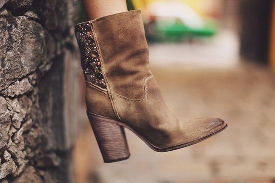 Image Via: Sea of Shoes