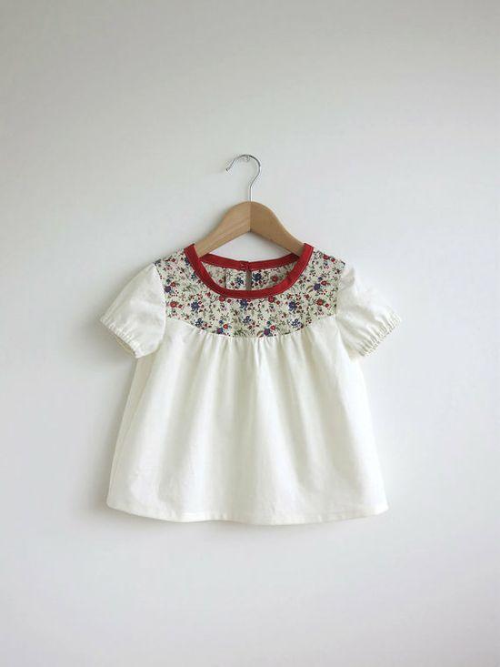 ivory cotton blouse with Liberty detail par SwallowsReturn sur Etsy, $28.00