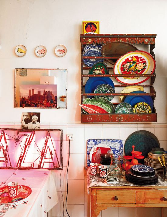 Bohemian home, Madrid; via ELLE Espana #home #interiordesign #kitchen #diningroom #color #eclectic