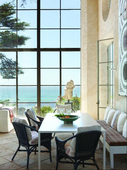 windows + casual dining area!