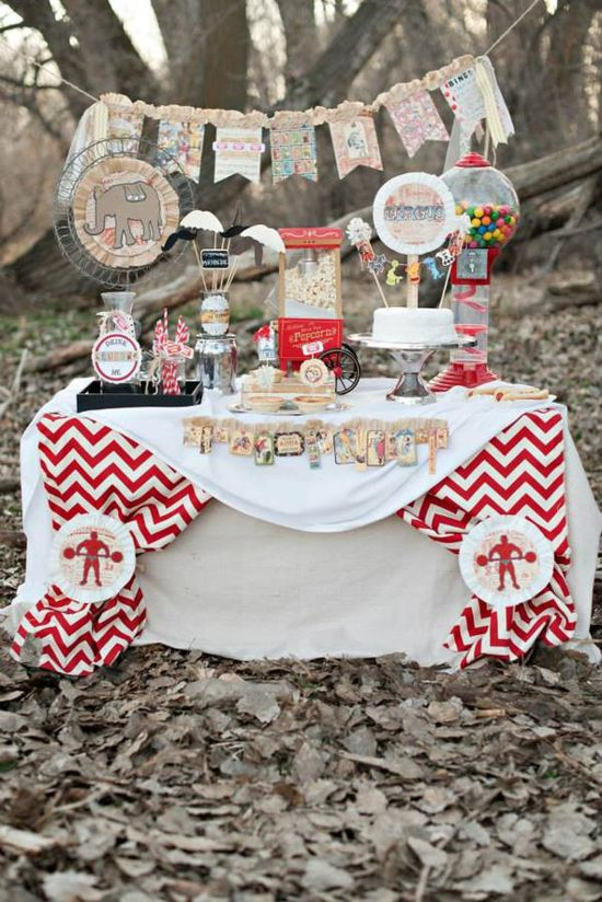 Vintage Circus / Carnival Party FULL OF IDEAS! Via Kara's Party Ideas