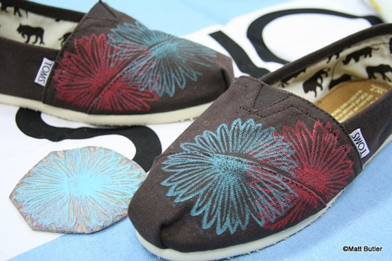Daisy TOMS Shoes by