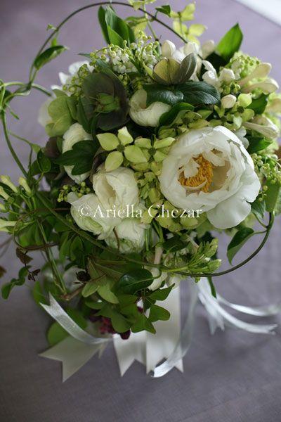 green & white flower arrangement from Ariella Chezar - english roses