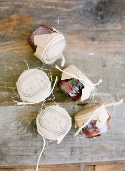 A sweet gift. Homemade jam for guests to take home.